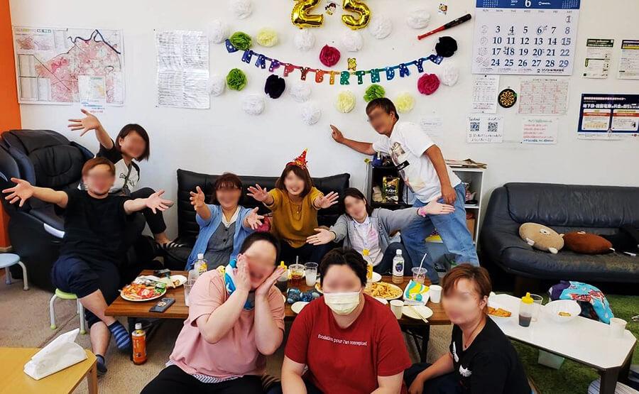 スタッフお誕生日会(ラインズ麻生)